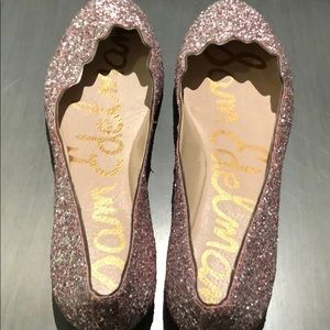 Sparkly sequin flats for New Years ✨✨✨✨